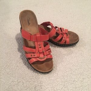 Clarks Lexi Jasmine red backless sandals 7.5